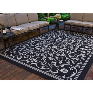 Safavieh Indoor/ Outdoor Resorts Black/ Sand Rug (5'3 x 7'7)